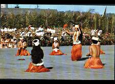 TAHITI (POLYNESIE) DANSE TAMURE / DANSEUSE & DANSEUR Groupe TIARE costumé 1970