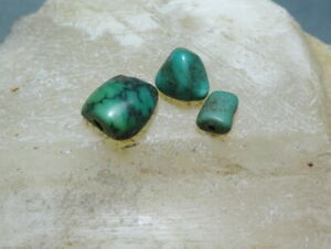 A Collection of 3 Vintage Green Turquoise Beads Chinese Tibetan