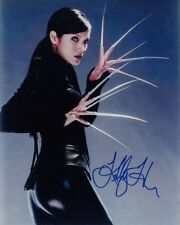 KELLY HU signed Autogramm 20x25cm X-MEN in Person autograph COA
