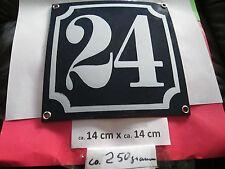 Hausnummer Nr. 24 weisse Zahl auf blauem Hintergrund 14 cm x 14 cm Emaille Neu