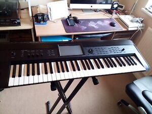 KORG KROME 61 KEY MIDI SYNTHESISER KEYBOARD WORKSTATION SYNTH