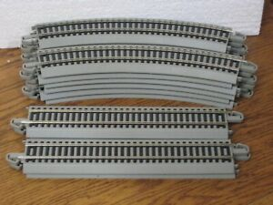 """HO BACHMANN EZ TRACK W/ROAD BED 16 PCS FOR 54"""" OVAL TRACK 44580/44581"""