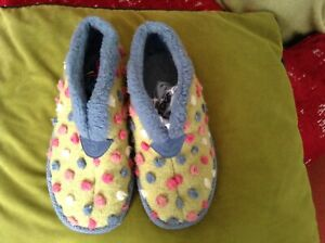 Moshulu bootie Polka dot Slippers. Size 5