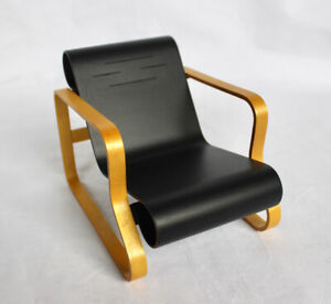"VITRA DESIGN MUSEUM Miniatures Collection. Alvar Aalto Nr 41 ""Paimio"" Chair 1930"