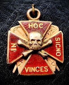 """10K Masonic """"In Hoc Signo Vinces"""" Skull & Crossbones Freemason Fob Pendant"""