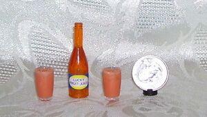 BARBIE KITCHEN FOOD HANDMADE GLASSES OF FRUIT JUICE & BOTTLE 1/6 LITTLES OOAK