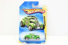 Clay Smith Cams Green 1:64 #25 / 196 Diecast Hot Wheels Pass'n Gasser Mooneyes