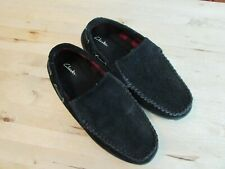 Men's Clarks Suede Slippers Size 11 Rubber Traction Outer Sole Removable Insole
