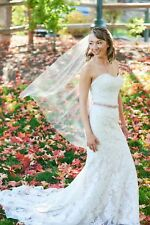 allure wedding gown, fit and flare with soft sueded lace size 6 dress