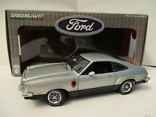 FORD Mustang II Stallion * 1976 * in argento * scala 1:18 * OVP * NUOVO