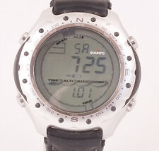 SUUNTO ALTIMAX  LCD Multi-Sensor Gents Watch with Stand (X82)