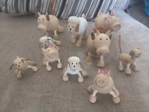 ANAMALZ. Collection Of  10 wooden  Farmyard Animals