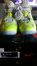 DS NIKE LEBRON XI COLLECTION MAISON DU METALLIC LUSTER VOLT SIZE 9 MENS
