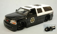 Gmc 2002 Yucon Denali State Trooper 1:24 Model JADA TOYS