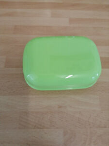 SOAP BOX DISH WITH SECURE LID COLOUR GREEN