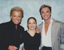 2002 Vintage Press Photograph SIEGFRIED & ROY - GLORIA ESTEFAN  MIRAGE LAS VEGAS