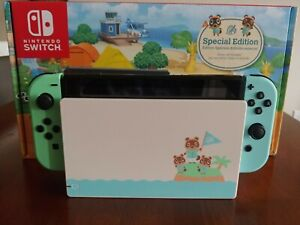 Nintendo Switch Animal Crossing New Horizons Edition w/ 8BitDo Controller