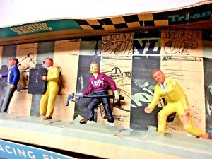 RARE 1960's VINTAGE SCALEXTRIC TRIANG RACE TRACK FIGURES IN DISPLAY BOX
