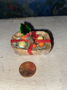 Dollhouse Miniature Reutter HOLIDAY GIFT BASKET holly bow Cheese 1:12 scale