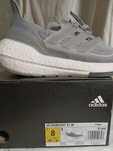 Women Adidas, sz.8(women)/sz.7(men), ultraboost 21. Grey/white.
