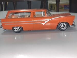 1955 Ford fairlane crate nomad Wagon  1/43 Ertl