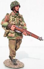 KING & COUNTRY OPERATION MARKET GARDEN MG006 BRITISH AIRBORNE WALKING MIB