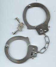 METAL HAND CUFFS WITH KEYS FOR HEN STAG/HEN NIGHT AND FANCY DRESS.