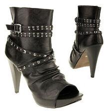 PRADA Stiefel und Stiefeletten aus Lackleder für Damen
