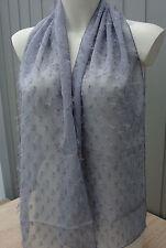 Sehr schöner Schal grau raffiniert gearbeitet neu zu verkaufen