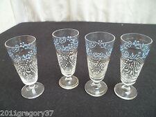 XIXème siècle 4 petit verres a liqueur en cristal sur pied a balustre émaillé