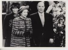 Bonjour.. The Queen and President Mitterrand 10/24/84- Press Photo
