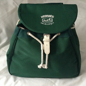 HERMES EMERALD  GREEN ONE HANDLE CANVAS TRAVEL BAG WITH WHITE ACCENT TRIM