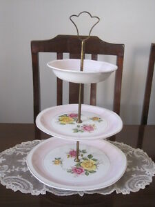 STUNNING HIGH TEA ROYAL TUDOR WARE PINK AND FLORAL ROSES THREE TIER CAKE STAND