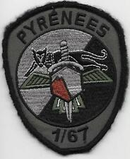 AIR      ESCADRON  d'HELICOPTERES   1 / 67    PYRENEES      patch BV sur scratch