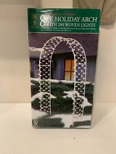 NEW IN BOX , MERRY BRITE 8 Foot HOLIDAY ARCH WITH 200 WOVEN LIGHTS