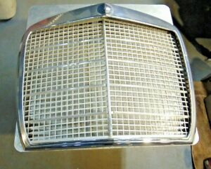 1965 -72 Mercedes Benz W108 W109 280SE SEL 300SEL Radiator Grille-Nice Shape-S3