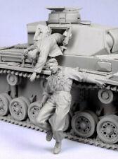 1:35 injured German Tank Crew, Resin Model Kit, 2 Soldiers Figure (No Tank) WWII