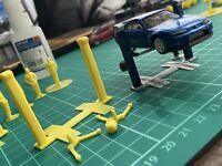 1/64 2 Post Lift Ramp Hotwheels Diorama