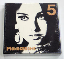 LEE HYO RI - Monochrome (Vol. 5) [Normal Edition] CD