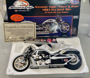 1:9 Screamin' Eagle Vance & Hines - Top Fuel Drag Bike - Harley Davidson 2