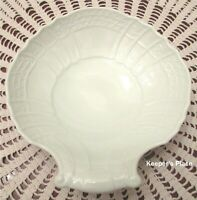 Hutschenreuther Dresden Germany Shell Shaped Soap Candy Dish White Porcelain