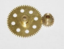 Meccano partie 27a spur gear 57 dents et partie 26 pignon 19 dents.