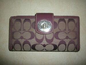 Coach Purple Signature Trifold Envelope Wallet w. Turn-lock VGC