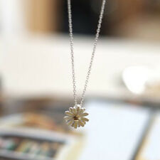 Pretty! small Daisy Flower Charm Pendant Silver Colour Chain Necklace