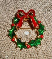 Vintage Enamel Christmas Holly Berry Wreath with Bow Brooch Pin Holiday   C200