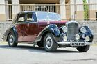 1954 Bentley R Type  1954 Bentley R Type Straight 6 Auto, Great Driver, Solid Body WOW 2-Tone!