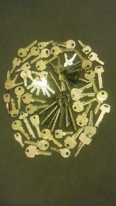 Job Lot/Bulk of old Assorted Keys .70 keys.(Yale,,Union,locker etc)