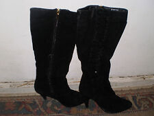 ladies Rainbow clothing store size 6 black knee-high suede boots w/ side zipper