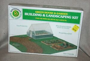 Bachmann HO Scale Green House and Garden - new in box unassembled