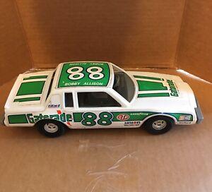 Vintage ERTL Bobby Allison Gatorade #88 Nascar Buick Grand National Collectible